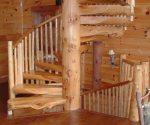 Scara spiralata din elemente sectionate de bustean - scari interioare de lemn