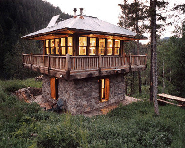 Cabana cu piatra si lemn
