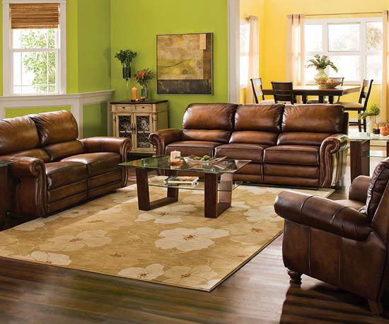 Sufragerie cu piele coniac si zugraveala verde