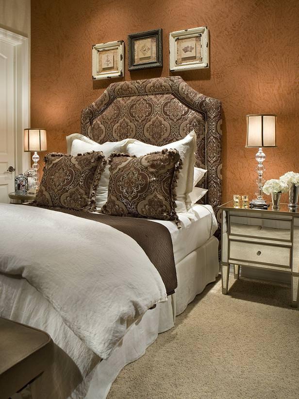 Tina Mellino - Dormitor de oaspeti cu decor de culoarea cuprului