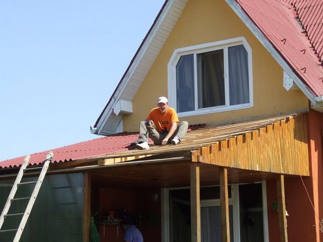 Desfacerea acoperisului vechi
