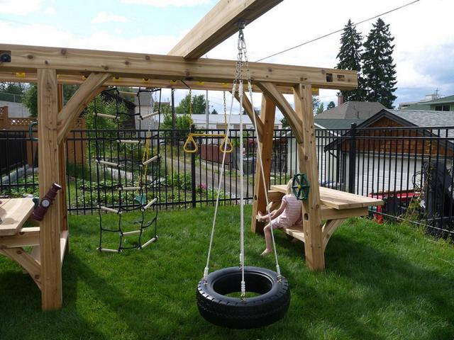 Structura din cadre pentru loc de joaca pentru copii