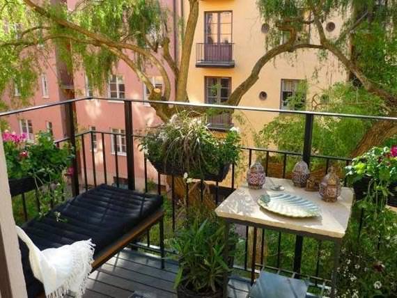 Masuta de balcon cu bancuta