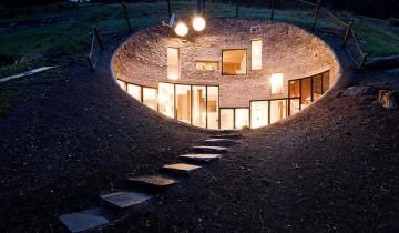 Casa care intra in pamantul Alpilor elvetieni!