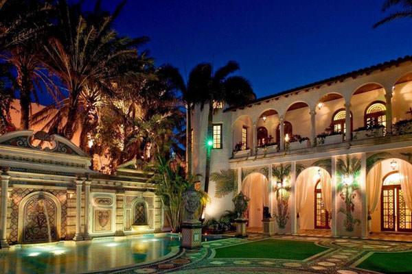 Versace residence