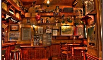 Pub-ul irlandez: veselie, lemn masiv si Guiness