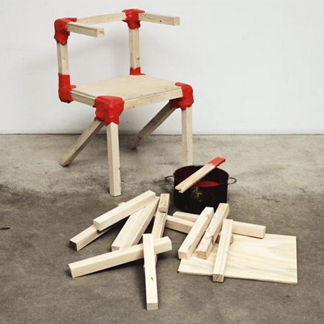Scaun din lemn si ceara