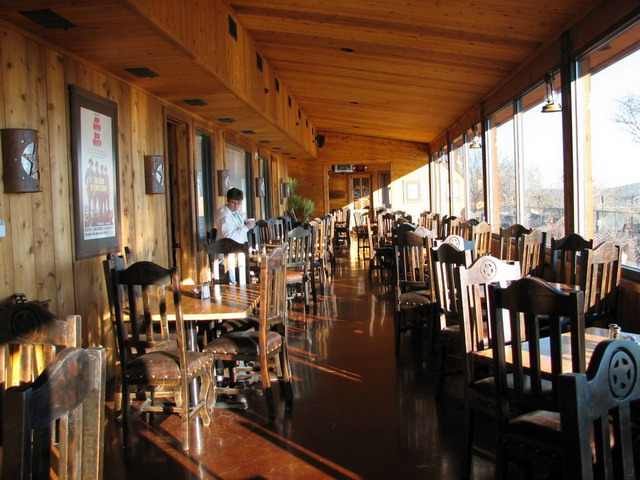 Terasa pentru cina la restaurant