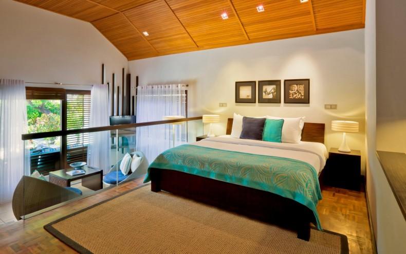 Dormitor cu pat King Size pentru o amenajare deschisa si nonconformista