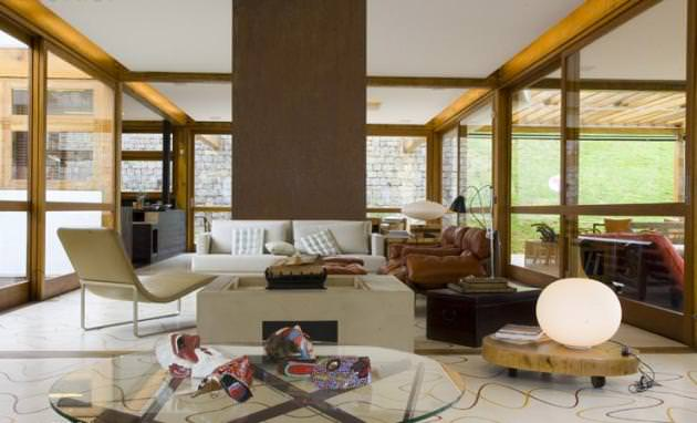 "<a href=""https://www.stejarmasiv.ro/wp-content/uploads/2012/08/Grid-House-by-Brazilian-architectural-studio-FGMF-3-unique-interior-decoration.jpg"" alt=""design interior""></a>"