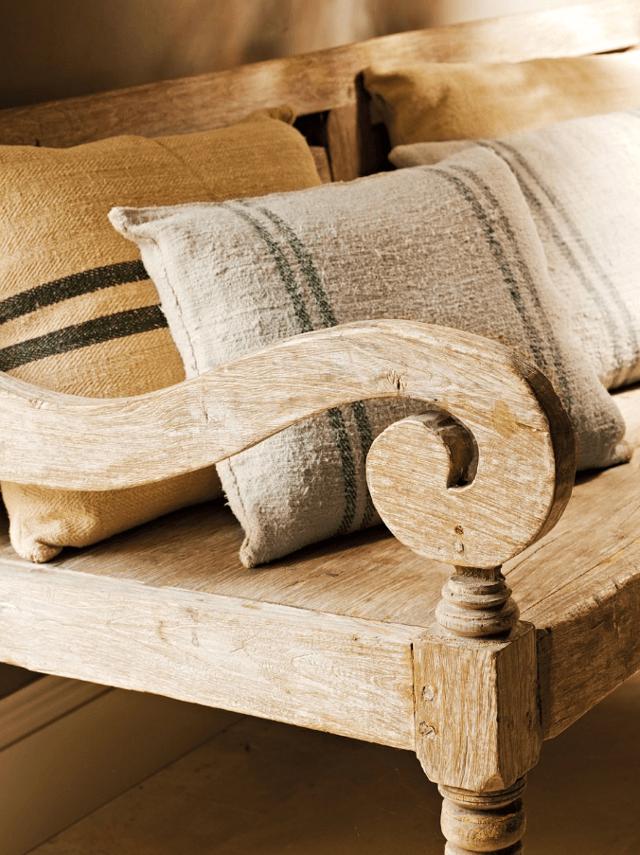 detaliu din lemn masiv
