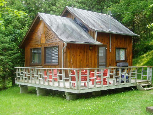 cabana pe piloni - Cabane mici