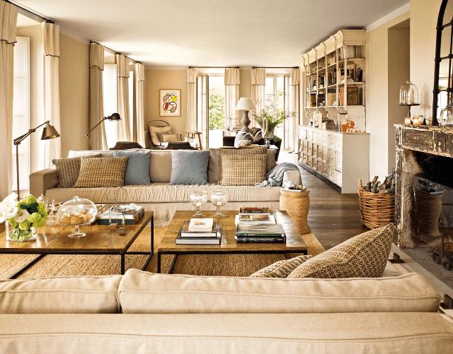 living room in culori neutre