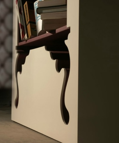 "<img src=""https://www.stejarmasiv.ro/wp-content/uploads/2013/02/Biblioteca-vintage-Munkii-Libero.jpg"" alt=""bibliotecă"" />"