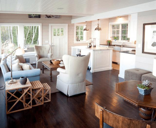 living room cu accente scandinave casa de pe plaja