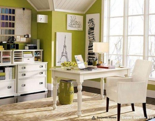 birouri in culori pale