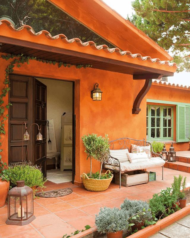 casa cu arhitectura spaniola