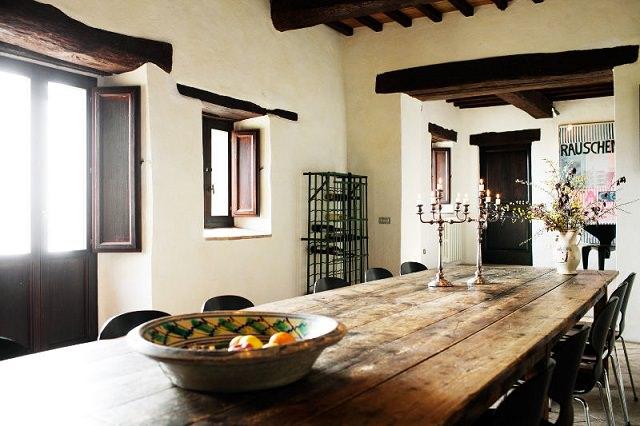living room in stil italian