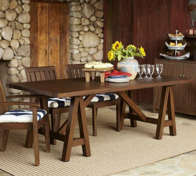 masa pe capra din lemn cu scaune din lemn masiv
