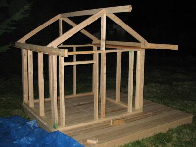 structura de grinzi de lemn casuta pentru copii