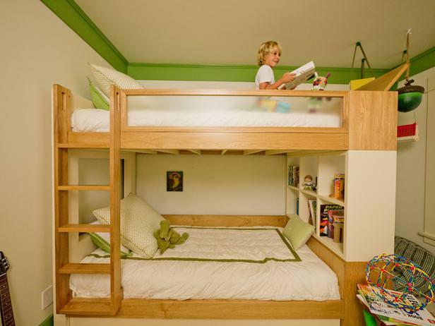 """<img src=""""https://www.stejarmasiv.ro/wp-content/uploads/2013/05/scara-pentru-acces-la-patul-de-sus.jpg"""" alt=""""camera copii"""" />"""