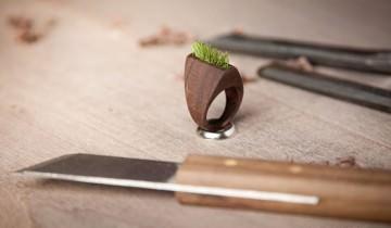 Fără comentarii Nr. 37 |  Bijuterii eco-friendly din lemn si plante