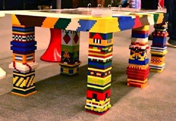 masa din bucati de lego