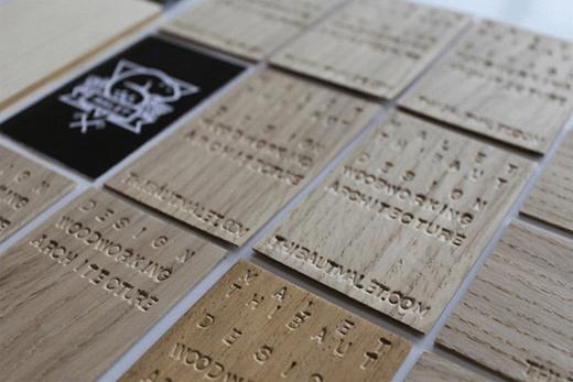 "<img src=""https://www.stejarmasiv.ro/wp-content/uploads/2013/10/carte-de-vizita-handmade.png"" alt=""carti de vizita"">"