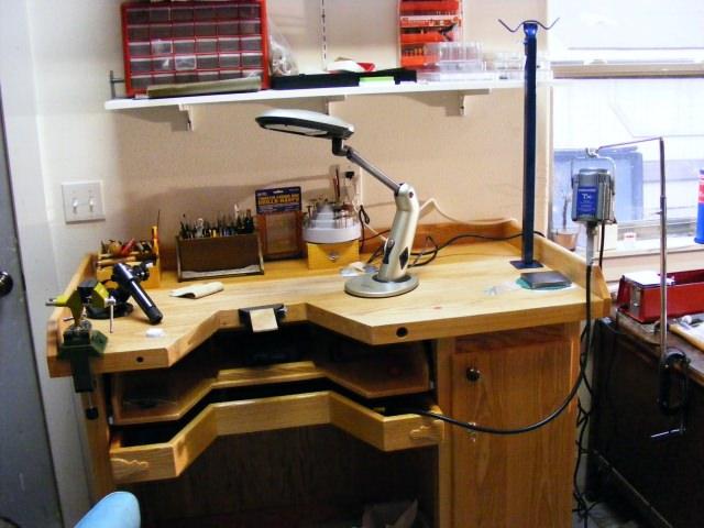 masa de lucru pentru bijutier