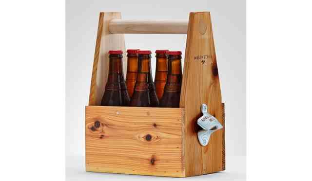 suport de bere din lemn cu desfacator
