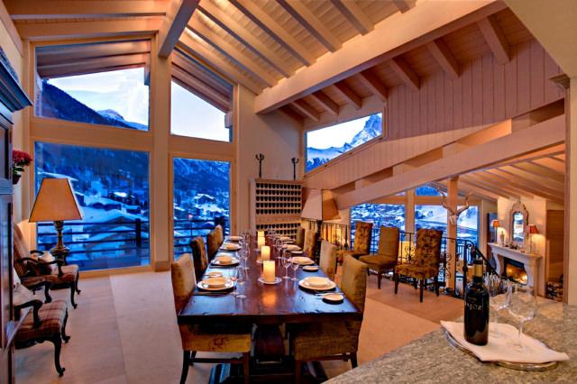 "<img src=""https://www.stejarmasiv.ro/wp-content/uploads/2013/12/Panorama-cina-la-cabana-din-Zermatt.jpg"" alt=""cabana"">"