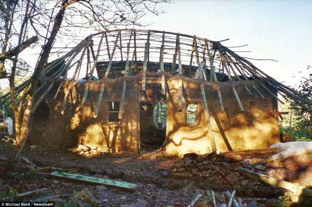 casa de lut si paie - constructie ecologică