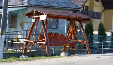 Balansoare din lemn