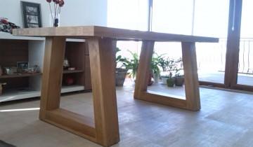 Masa din lemn Georgia, imagini primite de la Alexandru