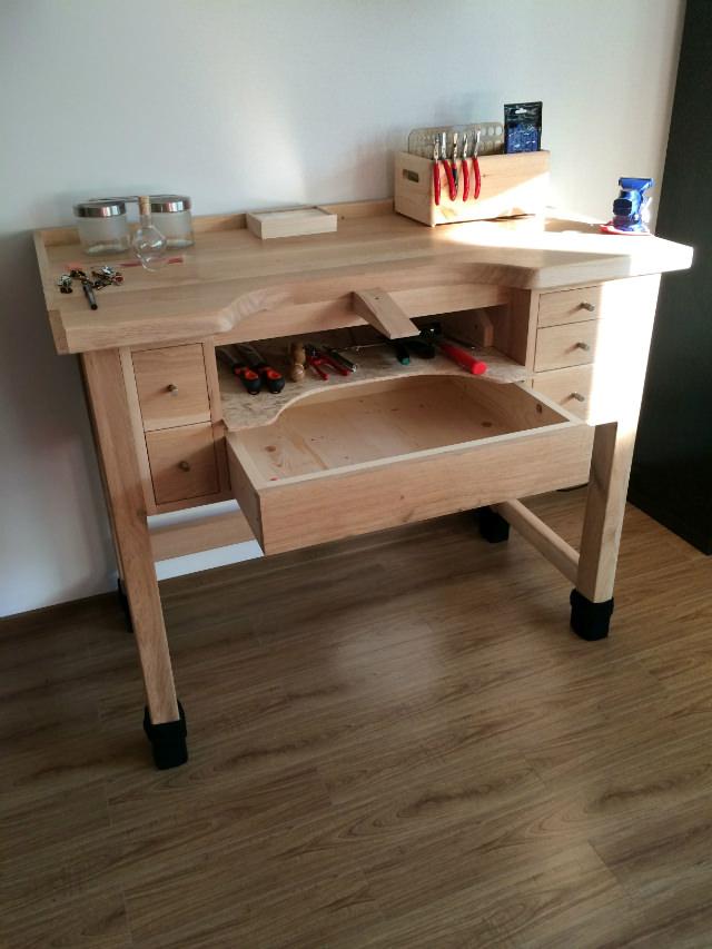bancul de lucru din lemn
