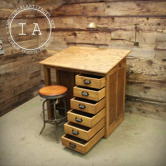 mobila veche - mobilier antic