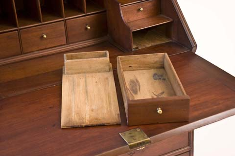 compartimente ascunse mobila din lemn masiv