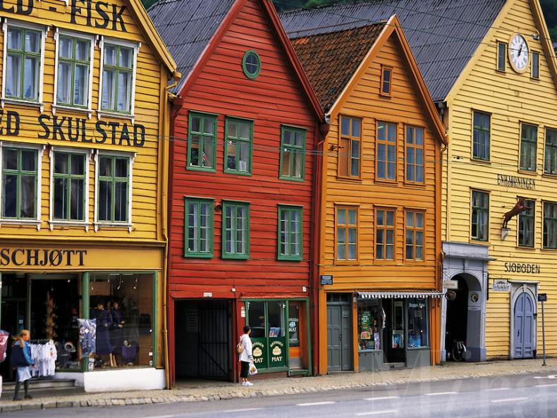 case din lemn din portul Bergen - Norvegia