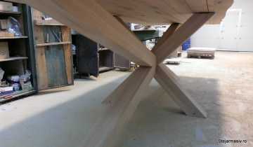 masa fixa din lemn masiv