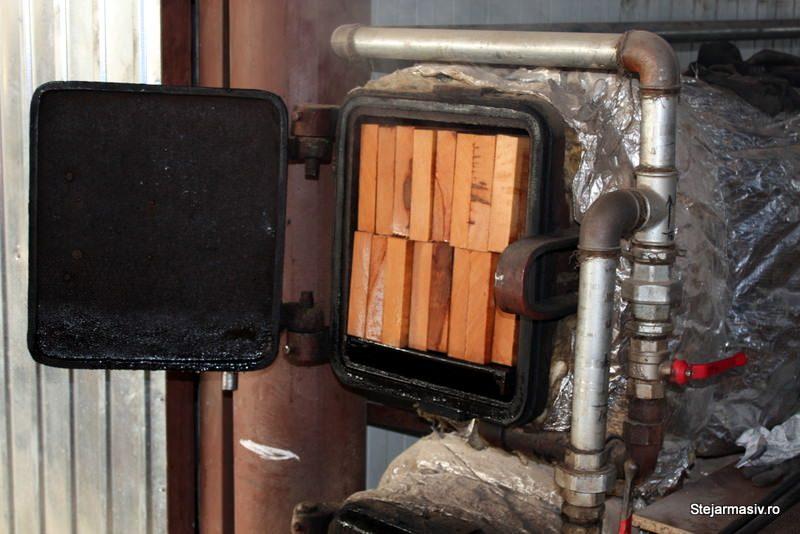 mobila din lemn curbat