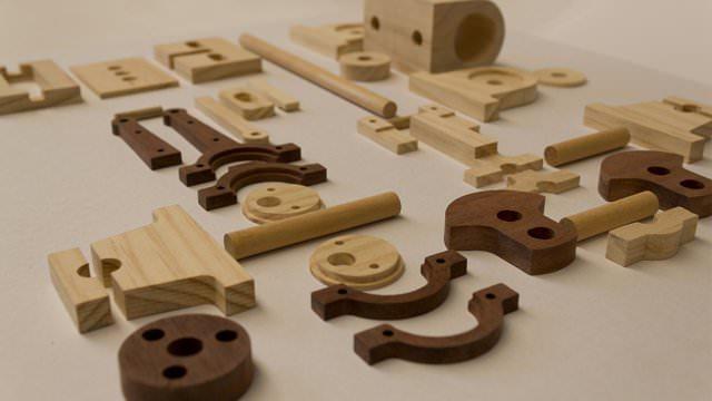 motoare fabricate din lemn