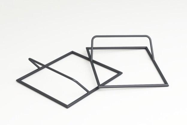suportul pentru Quadra Table - Mese cu design special