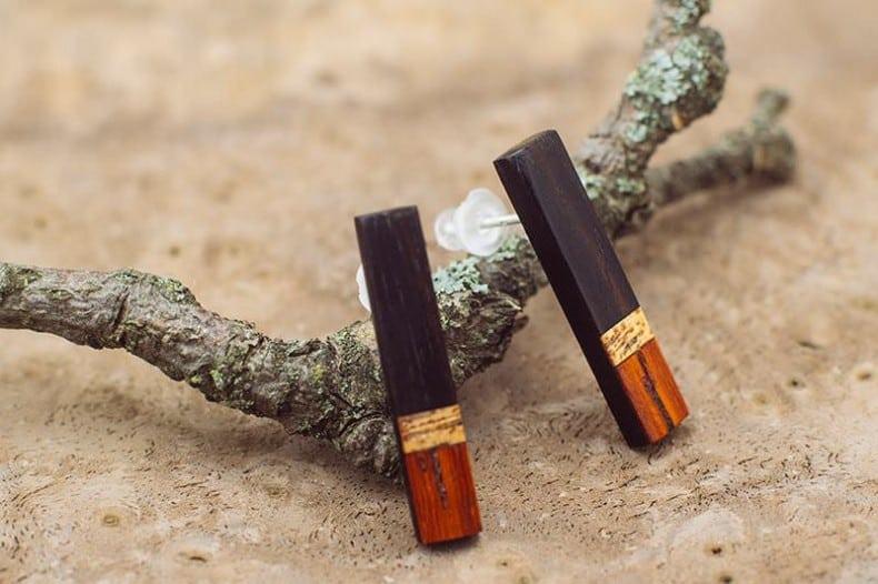 cercei din lemn de abanos