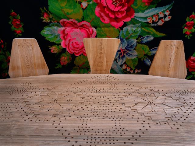 mobila romaneasca masă cu scaune