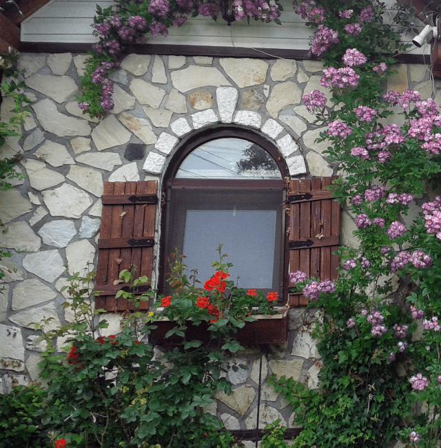 Balamale rustice la obloanele de la fereastra