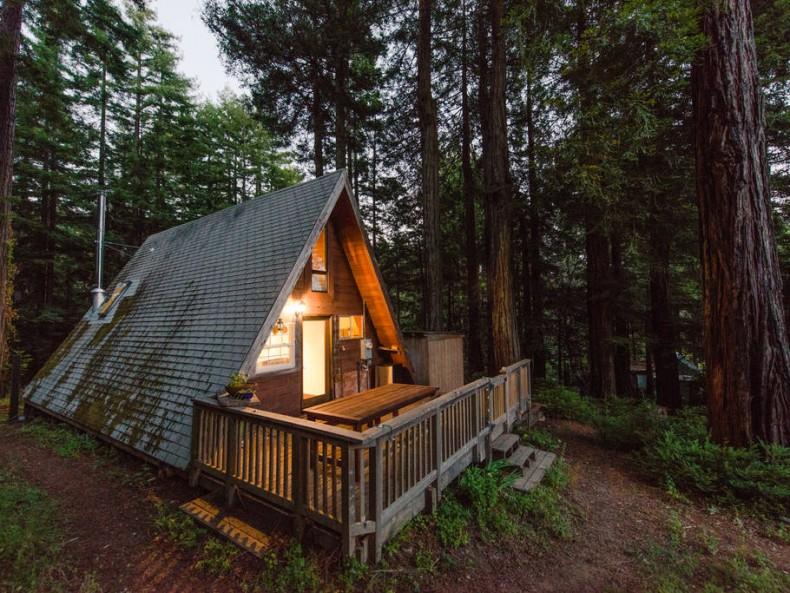 casa pe structura de lemn - casuta de vacanta