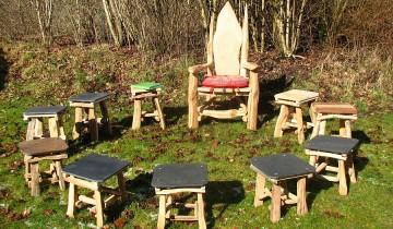 Povestitorul de povești si scaunul de lemn