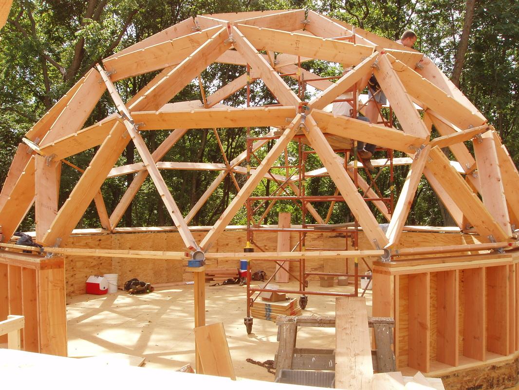 dom geodezic din lemn