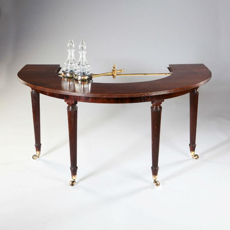 model britanic Hunt Table