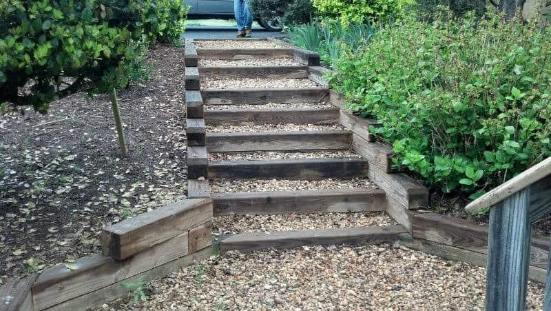 scari din lemn si piatra